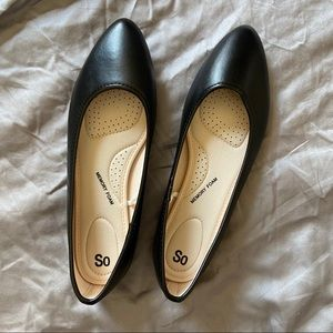 NWOT So Memory Foam Black Flats